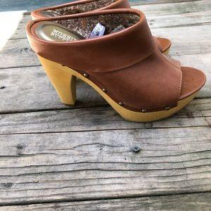 Mossimo Clog heel